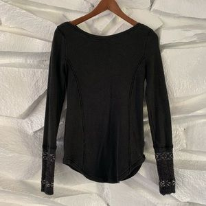 FREE PEOPLE MIXED CUFF THERMAL TOP